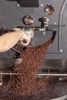 Kaffeebohnen nach Röstvorgang