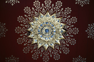 Tempeldecke Goldlotusblume
