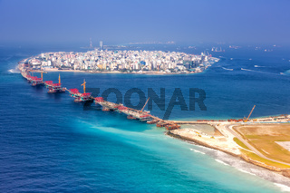 Malediven Male Insel Hauptstadt Flughafen Brücke Luftbild
