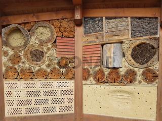 Insektenhotel, Insektenunterschlupf