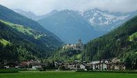 Blick auf Sand in Taufers, Südtirol