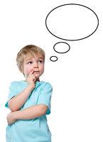 Kind Junge denken nachdenken träumen Sprechblase Textfreiraum Copyspace