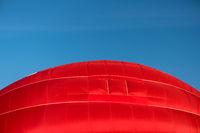 Detail eines startenden roten Heißluftballons