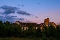 alte Ruinen im Abendlicht