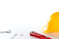 verschiedene Werkzeuge am Arbeitsplatz