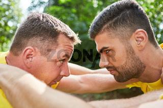 Junge Männer in Konkurrenz und Konfrontation