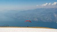 Monte-Baldo | Start mit dem Gleitschirm am Gardasee