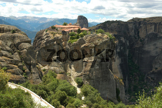 Kloster im Meteoragebiet und umgebende Berge