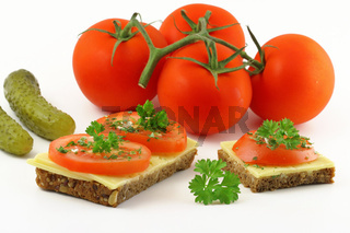 Brot mit Kaese Tomate und Petersilie, bread with Cheese tomat and parsley