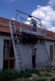 Solarmodule aufbringen mit Seilzug