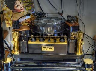 Thorens Plattenspieler HDR