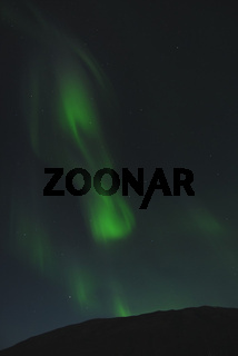 Nordlicht (Aurora borealis) mit dem Grossen Wagen im Sternbild Grosser Baer (ursa maior), Abisko Nationalpark