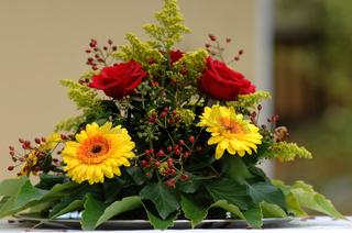 Blumengesteckbunt102
