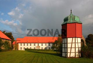 Regenbogen und Kloster