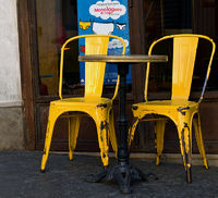 Twin chairs in Pigalle