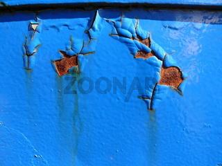 abgeblätterter blauer Lack