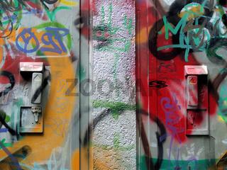 Grafitti an Stahlschrank