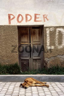 puerta poder. bolivien