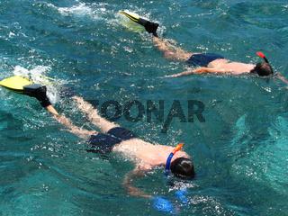 Schnorcheln - men snorkeling