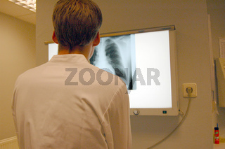 Röntgenarzt, Jung Doctor