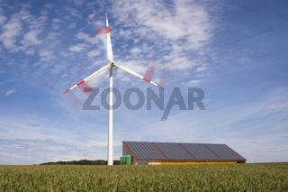kombinierte Windkraft- und Photovoltaikanlage