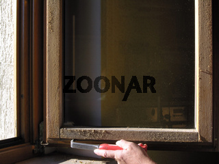 Fenster Holzlasursanierung Farbe abkratzen