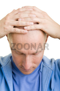 Hände auf der Glatze