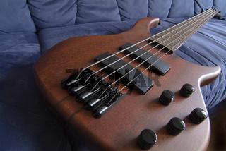 E - Bass