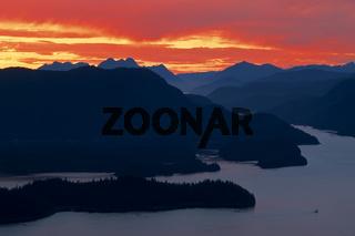 red sunset, sonnenuntergang, mountain landscape, gebirgslandschaft, berglandschaft, kruzof island, baranof island, alaska, usa,