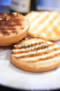 Getoastete Hamburger Broetchen