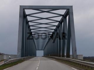 Brücke / Autofreier Sonntag