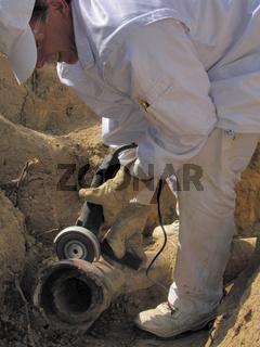 Tiefbauarbeiter Abwasserrohrgraben