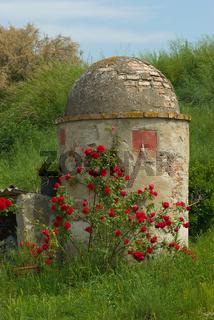 Alter Brunnen/Zisterne in der Toskana - Old Fountain in Tuscany, Italy