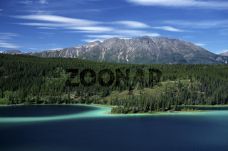 emerald lake, lake, see, mountain landscape, mountain range, gebirgslandschaft, berglandschaft, yukon, canada, kanada, north america, nordamerika,