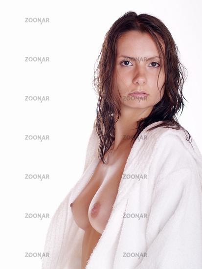 Bademantel im frau nackt Luder nackt
