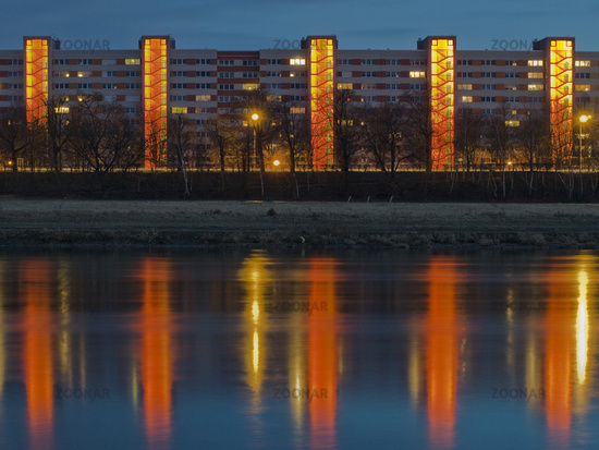 Hochhaus   high-rise building