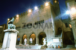 Old town Palazzo Malatesta Cavour Palace by night Rimini Italy, Town hall at night, Rimini