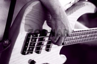 Bass Gitarre spielen