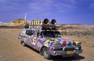 Breakaways bei Coober Pedy, Auto vom Filmteam,  car, Australien, australia