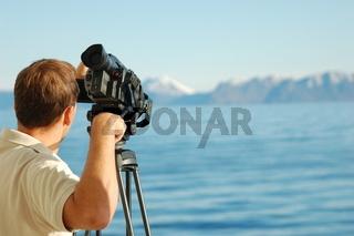 Kameramann im Polarmeer