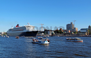 QM 2 in Hamburg
