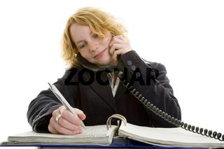 Managerin telefoniert