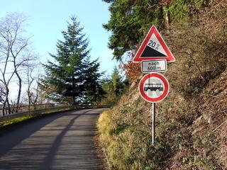 steile Straße / steep street