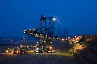 Nachtschicht im Tagebau