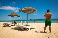 Fotografieren am Strand in Tunesien