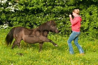 Horsemanship Trainerin Claudia Miller