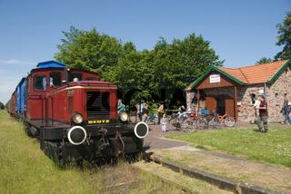 Bahnhof und Eisenbahn