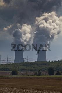 Kühltürme des Atomkraftwerk AKW