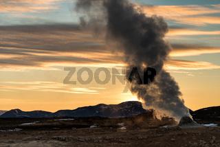 Namafjall Island bei Sonnenaufgang