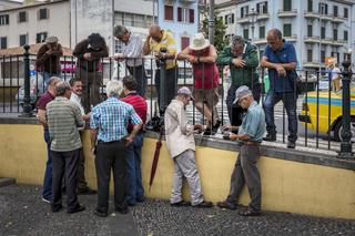 Senioren beim Kartenspiel in Funchal